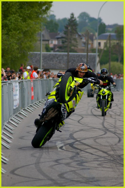 stunt24