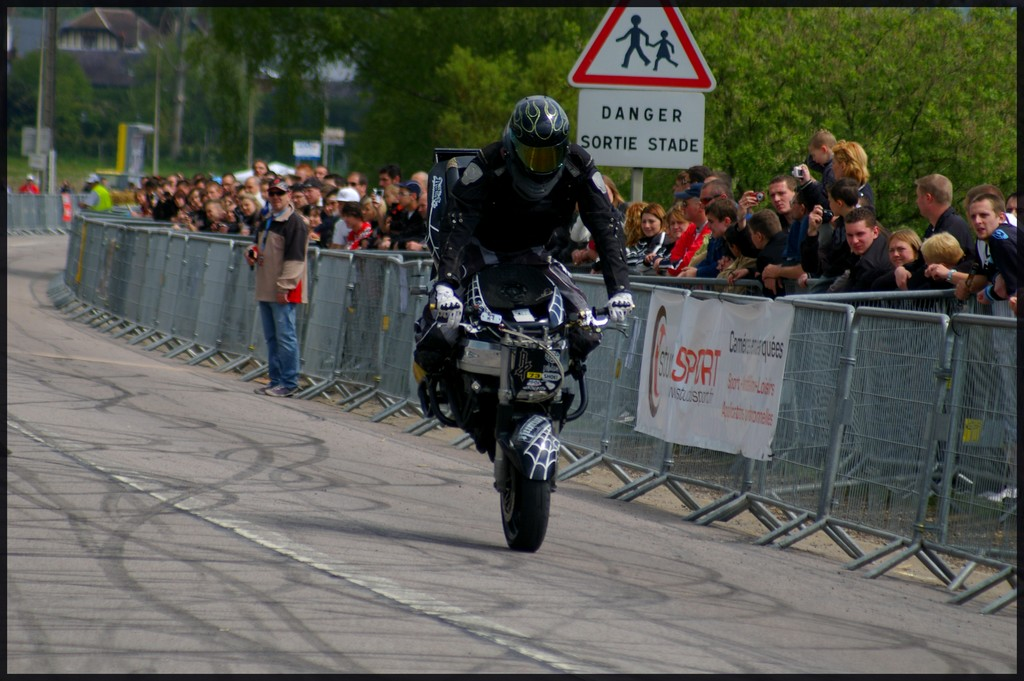 stunt25