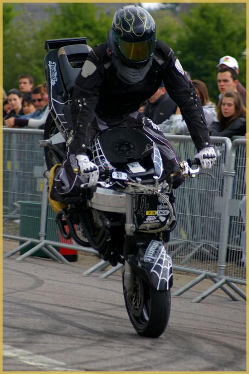 stunt27
