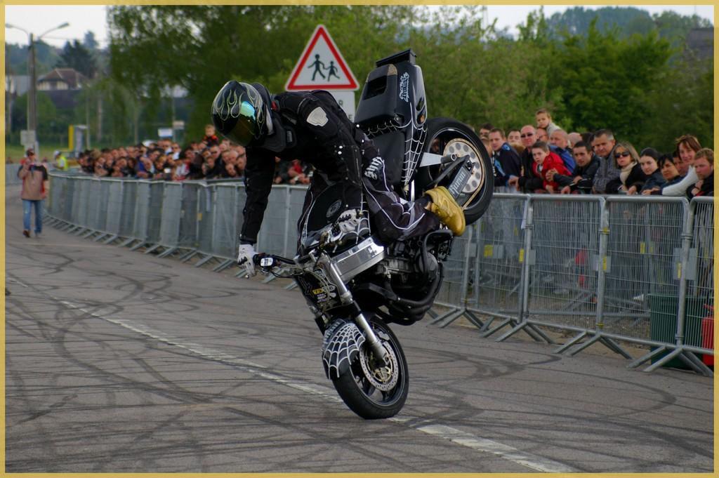 stunt28