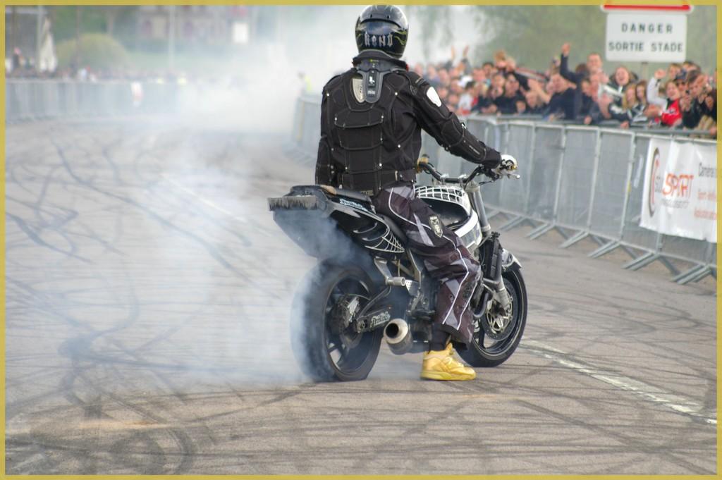 stunt30